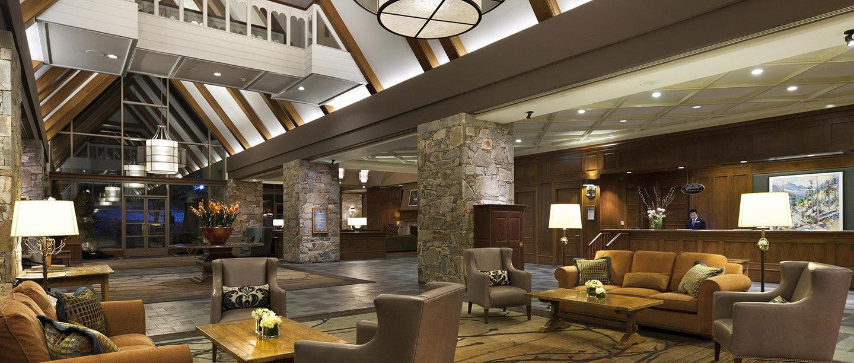 Fairmont lake louise lobby